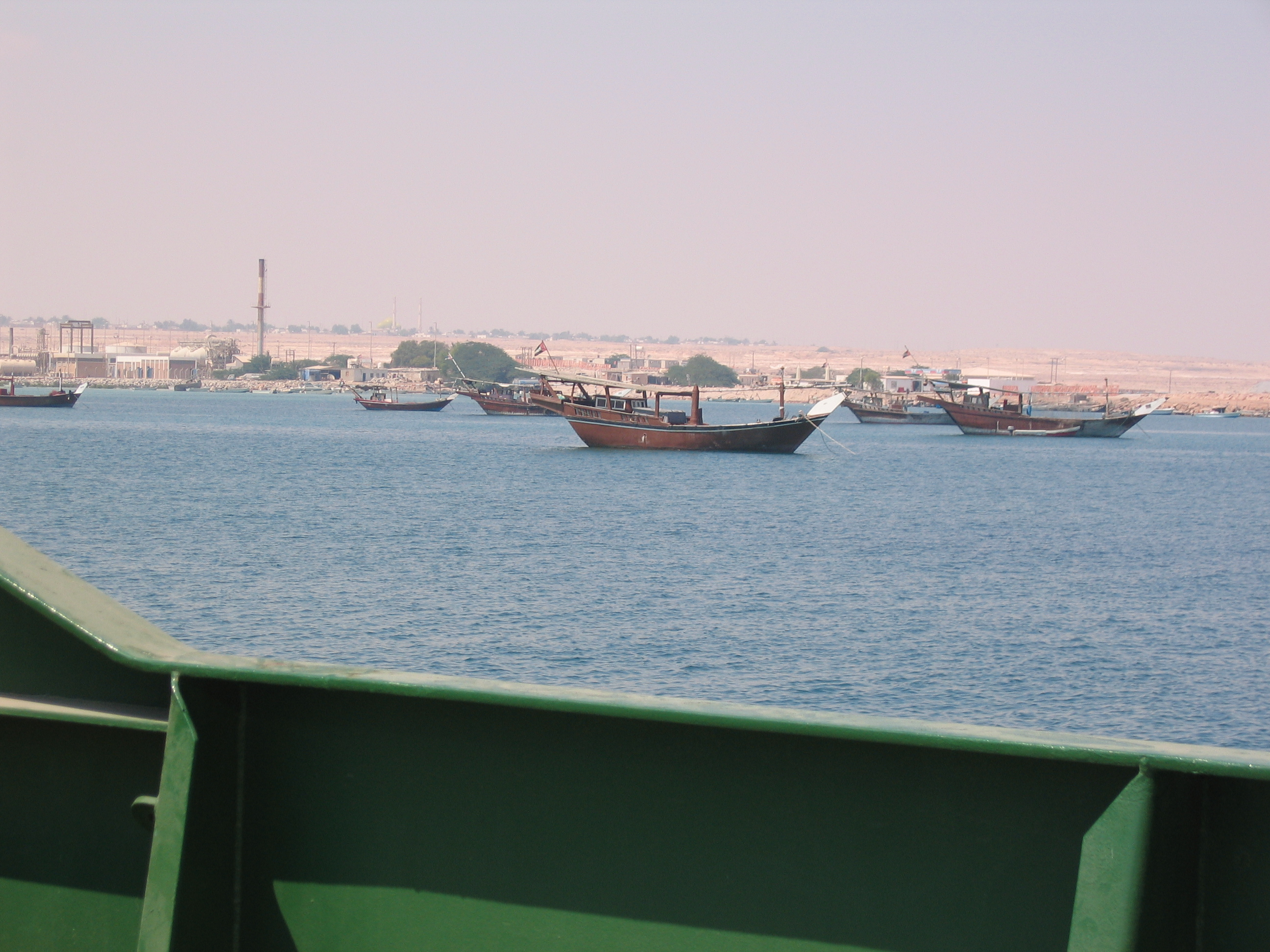 siteseeing 001.jpg - Traditional Arabic boats.